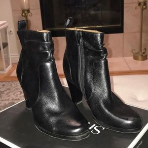 Sofft chunky heeled ankle boots